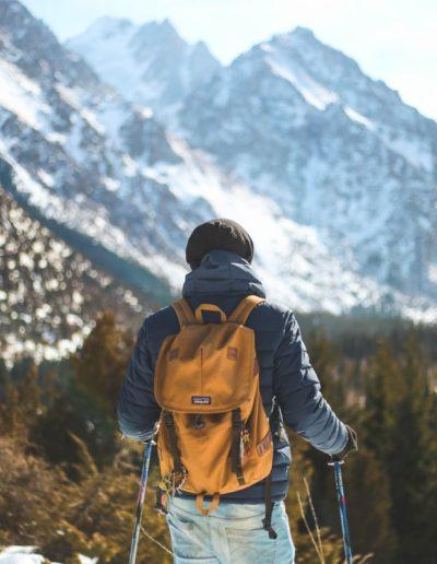 adventure-backpack-climb-868097-min