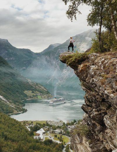 adventure-cliff-daylight-1374064-min